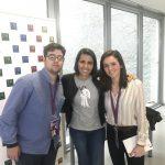 Cecilia y Alejandro, becarios de Radio USJ, junto a Ana Pastor