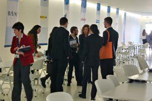 En el USJ Connect los alumnos pueden dialogar con las empresas.