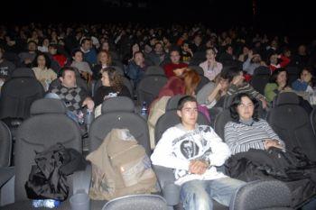 Espectadores en una sala de los Cines Palafox