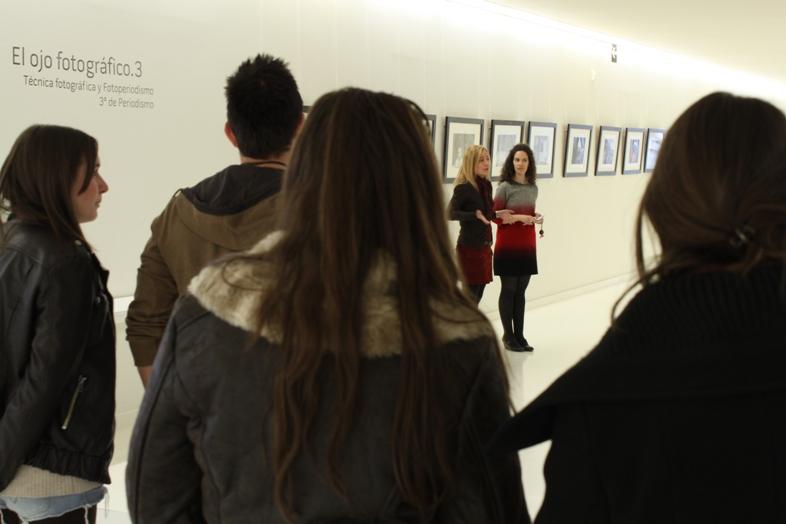 El 21 de febrero se celebró la inauguración de la exposición que han llevado a cabo los alumnos de 3º de Periodismo de la USJ